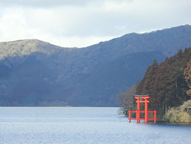 芦ノ湖 平和の鳥居
