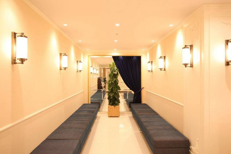 アリシアクリニック横浜院 待合室