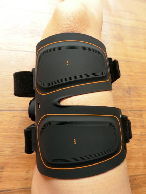 シックスパッド(SIXPAD)レッグベルトの付け方・貼る位置(膝の内側・膝上)