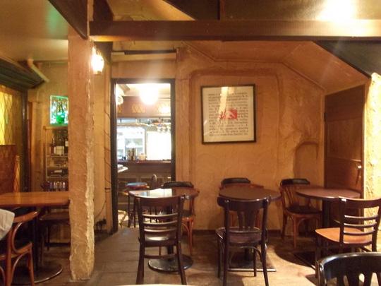 cafe&bar 人間関係 店内