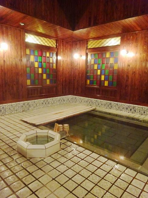 山代温泉 古総湯のステンドグラス