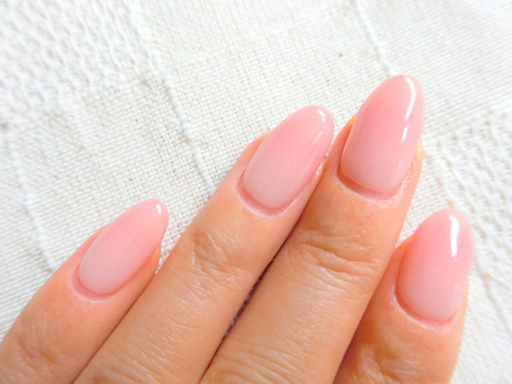 爪の甘皮処理